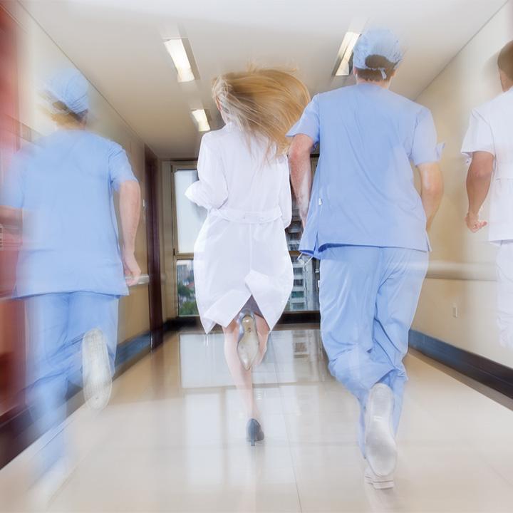 看護師の仕事が過酷さを増している